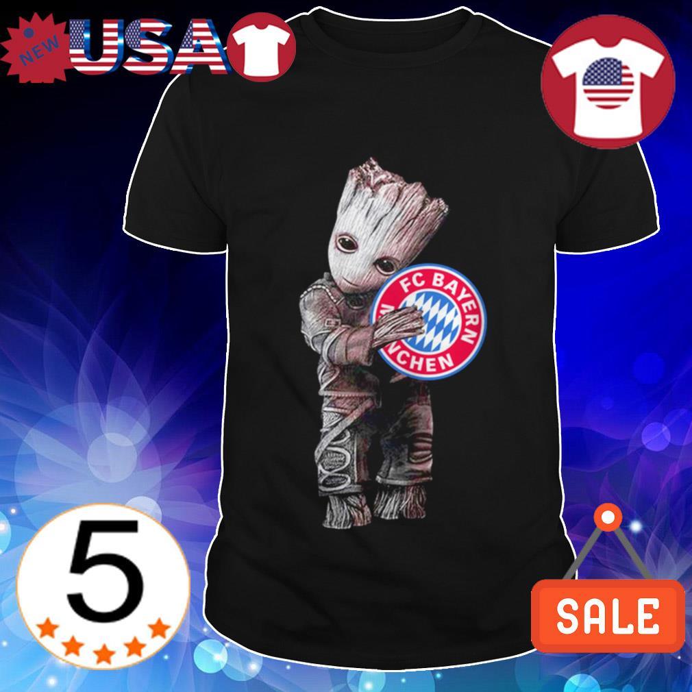 Baby Groot hug FC Bayern München shirt