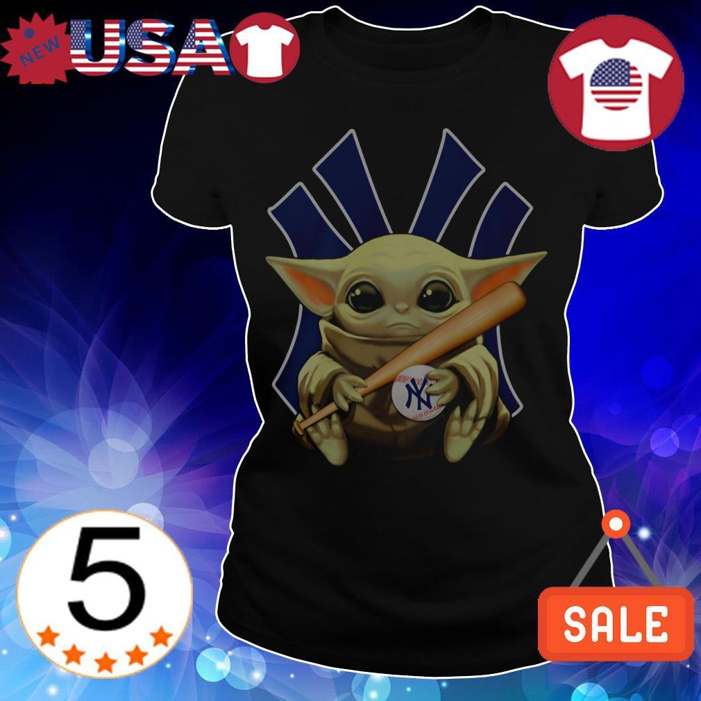 Star Wars Baby Yoda hug New York Yankees shirt
