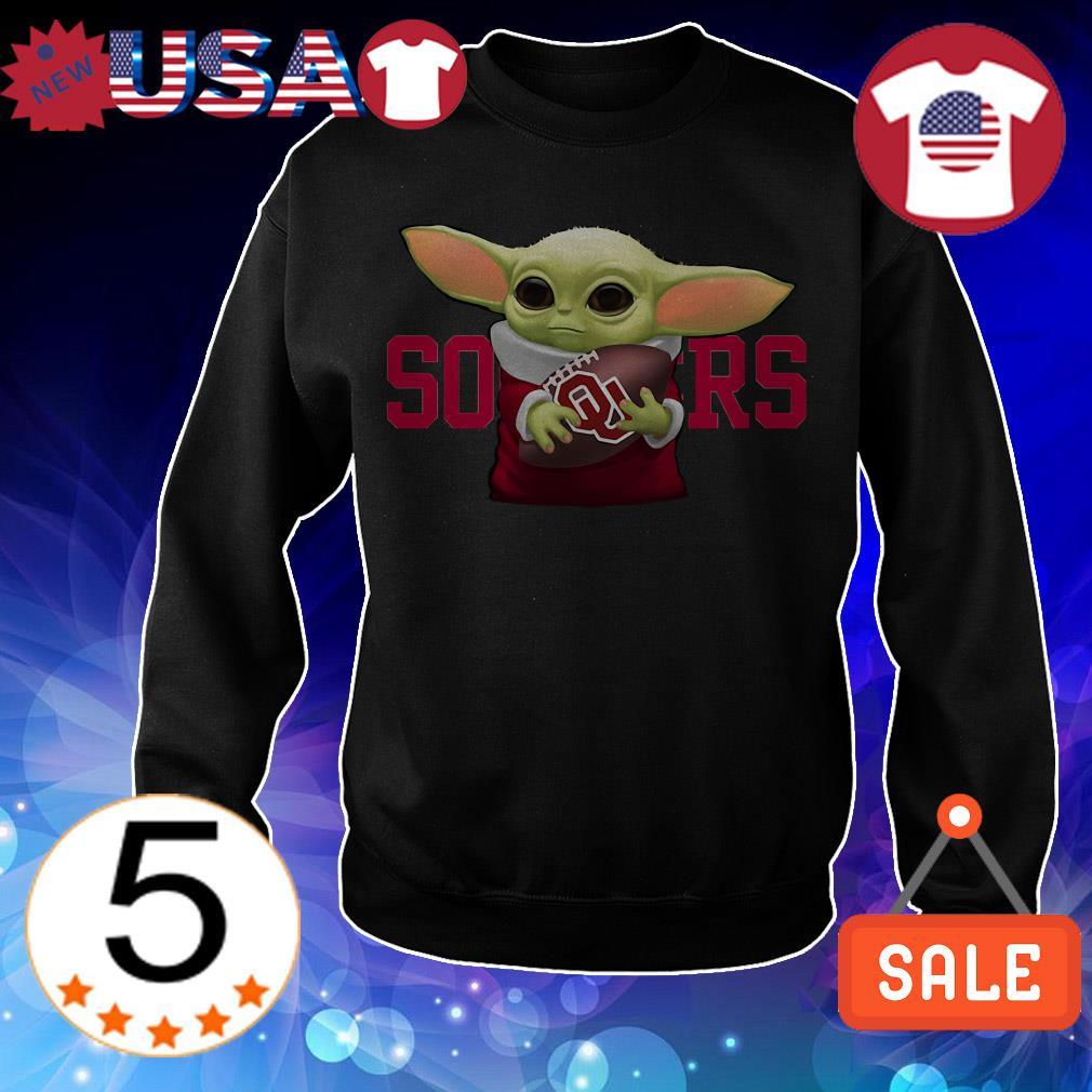 Star Wars Baby Yoda hug Oklahoma Sooners shirt