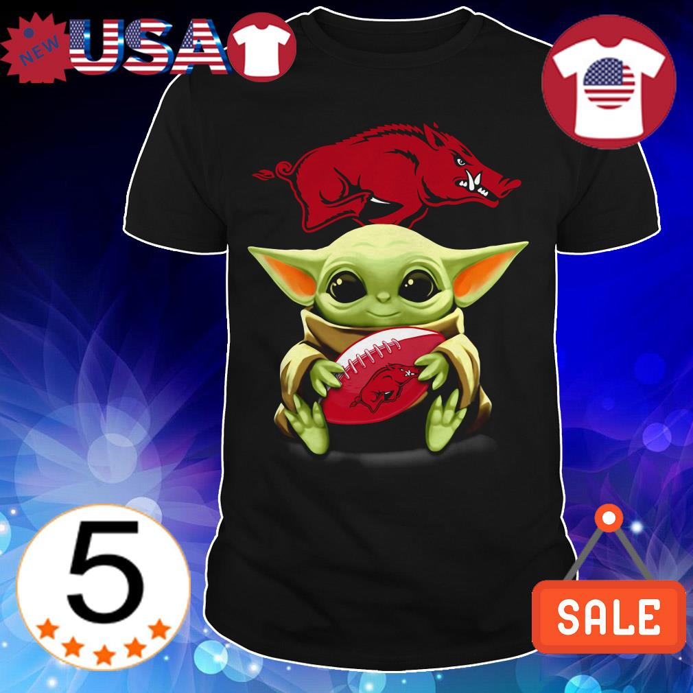Official Star Wars Baby Yoda hug Arkansas Razorbacks shirt
